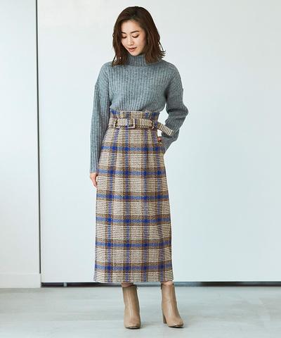 スタイルアップが抜群な、ハイウエストチェック柄スカート